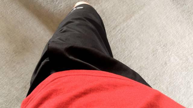 黒色のランニングパンツ