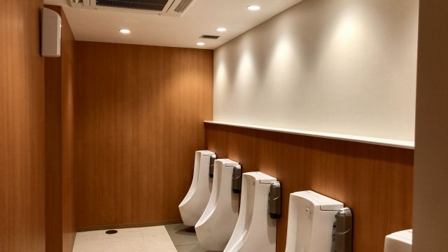 ファーストキャビンのトイレ