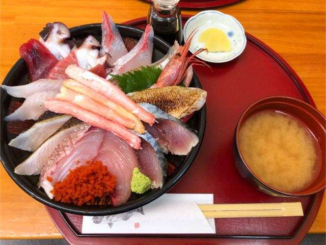 鯛喜の人気海鮮丼