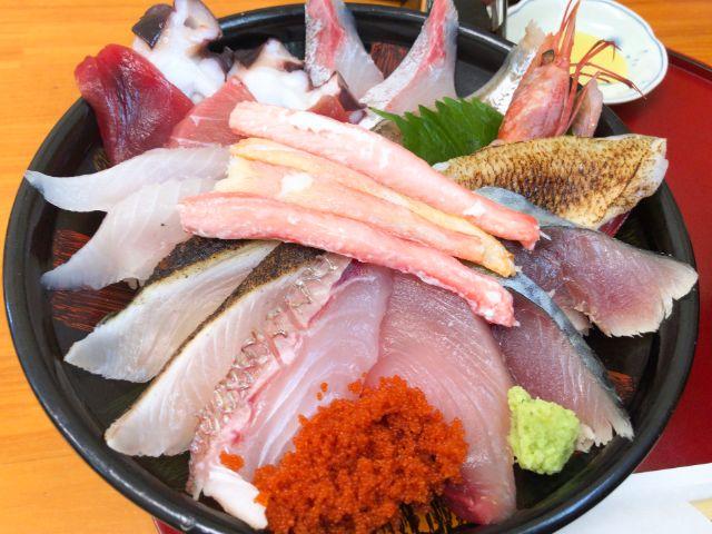 豪華過ぎる海鮮丼