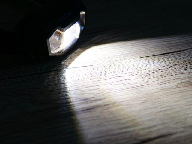 LitomのLEDヘッドライトの120ルーメン