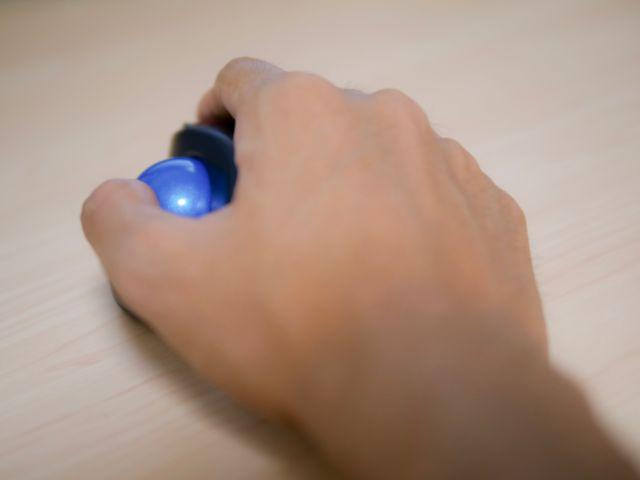 マウスを操作する時の手首