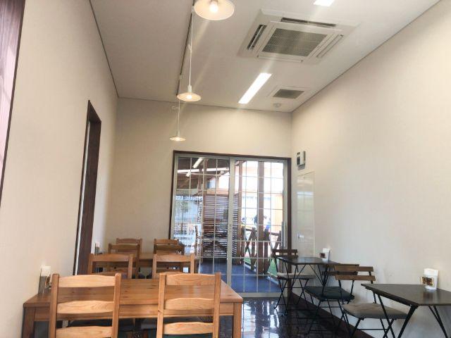 喫茶アポロの内装