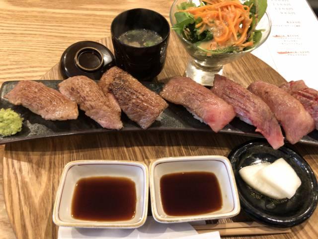 牛炙り肉寿司
