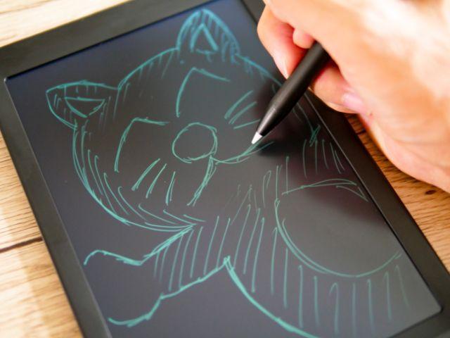 電子パッドでお絵描きする