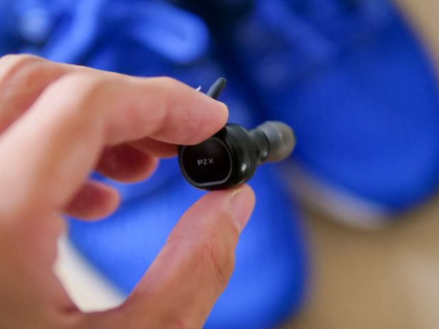 片耳で使えるイヤホン