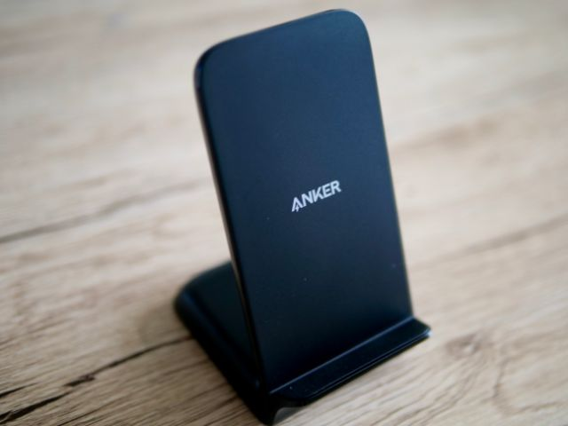 Anker PowerWave 7.5 Stand本体