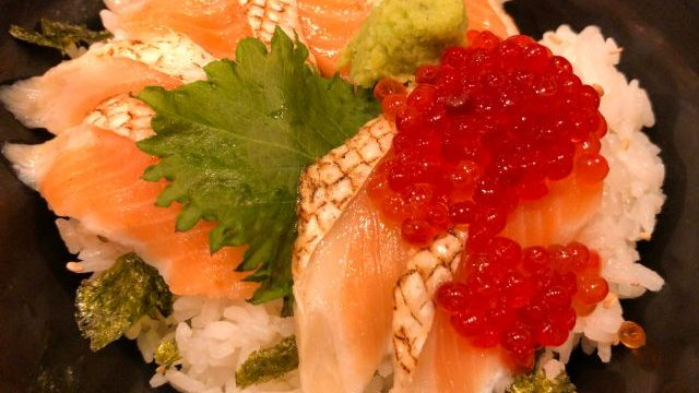村上水産の海鮮丼