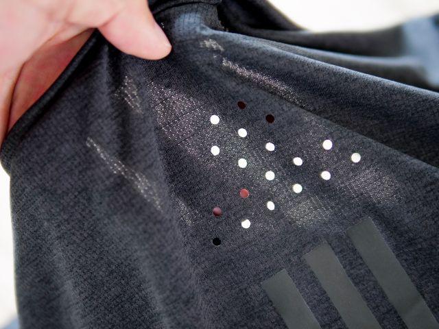 ランニングシャツの通気孔