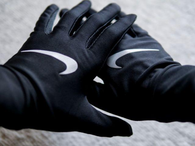 手袋で日焼け防止