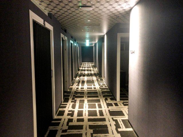 キャビンの廊下