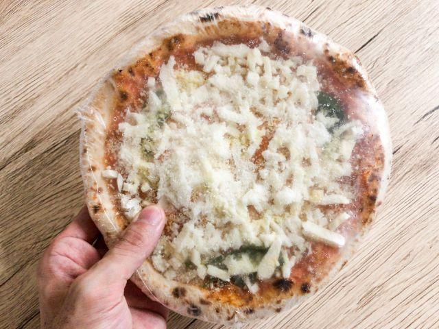 大きめの冷凍ピザ