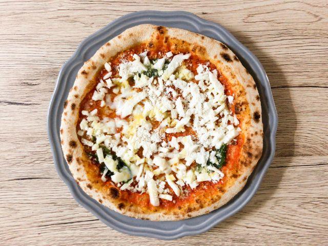 解凍済みの冷凍ピザ