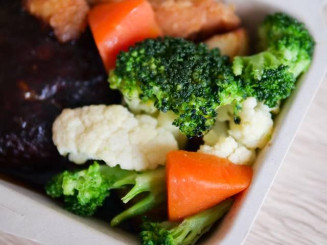 ハンバーグ弁当の野菜