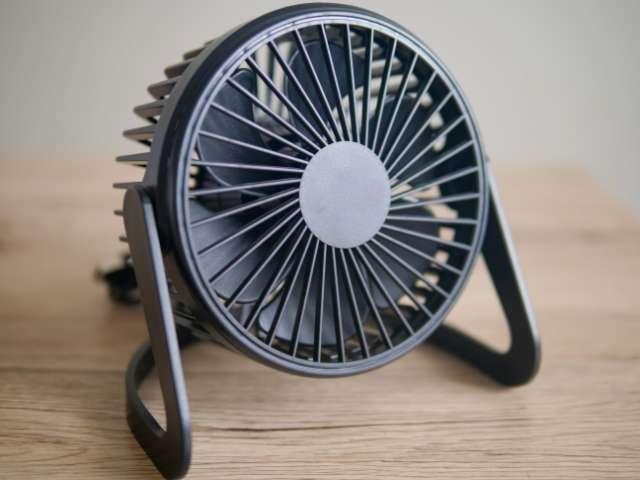 ダイソーのUSB扇風機の外観