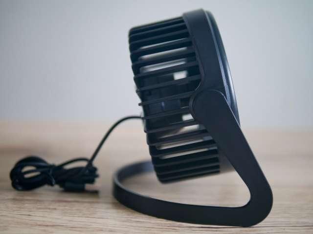 ダイソーのUSB扇風機の側面画面