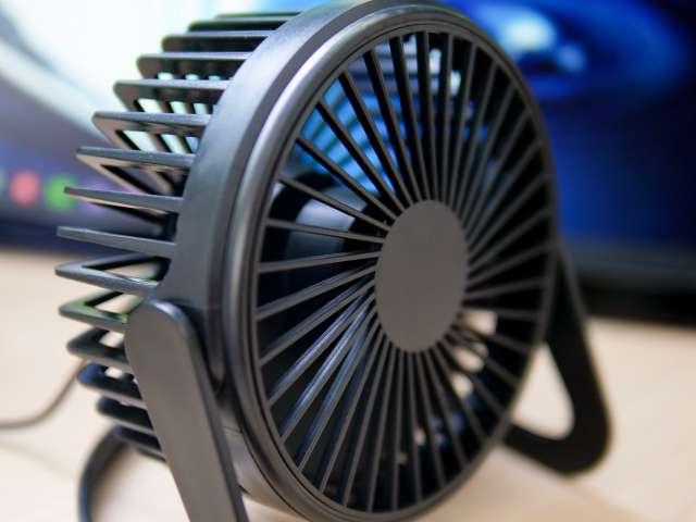 USB扇風機の音を確認