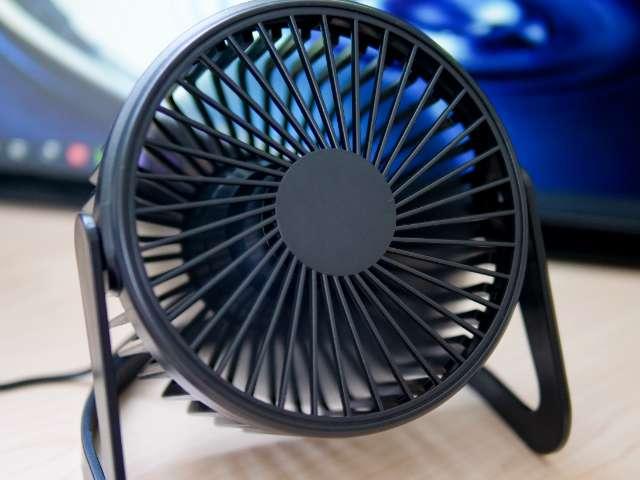 ダイソーのコスパ最強USB扇風機