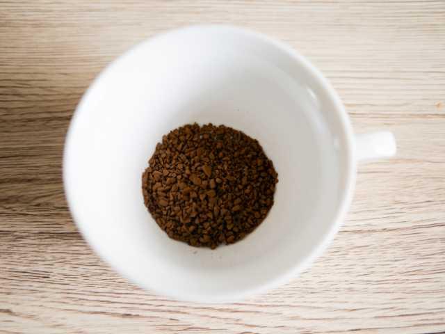 一杯分のインスタントコーヒー
