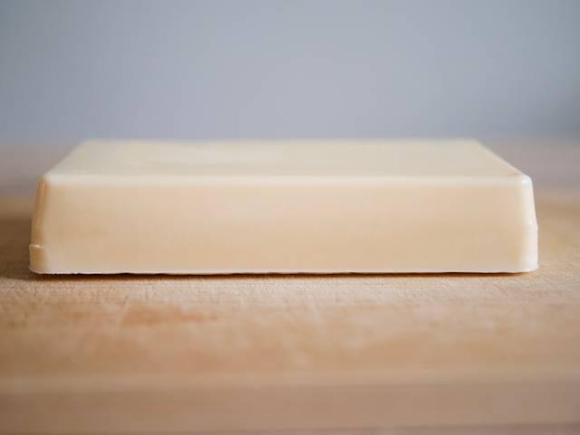 バターのような見た目のリッチチーズケーキ