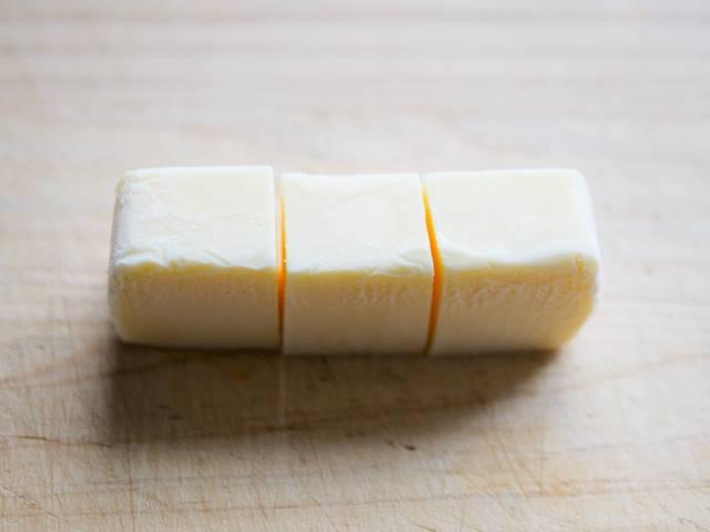 業務スーパーのリッチチーズケーキを3等分