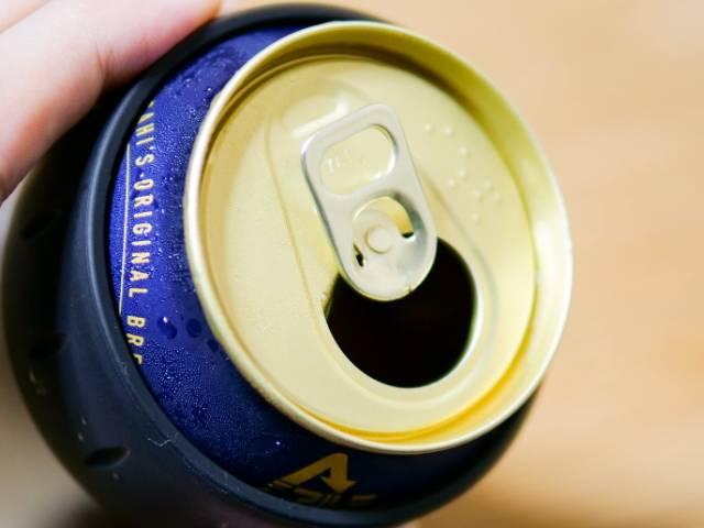 冷えた缶ビール