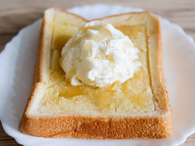 ハニートースト(アイスのせ)