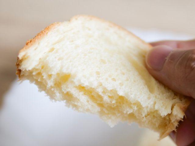 ビール酵母パンを食べる