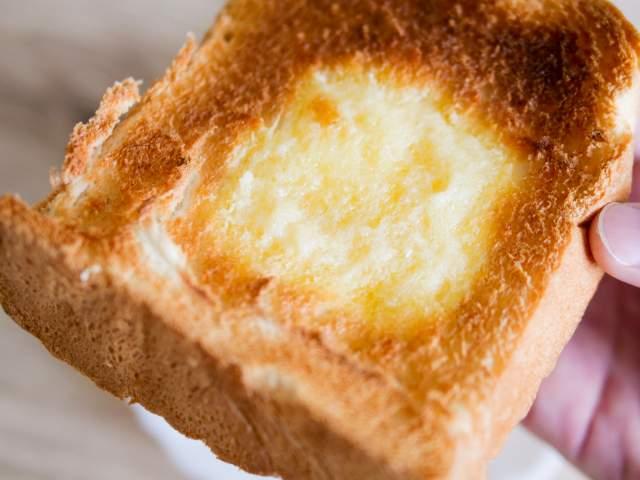 バタートーストの天然酵母パンを食べる