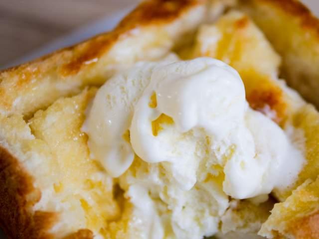 バニラアイスが溶けるハニートースト