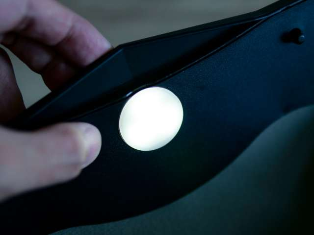 LEDライト付きの車用ゴミ箱