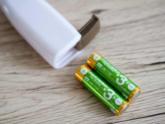 ダイソーのミルクフォーマーと乾電池