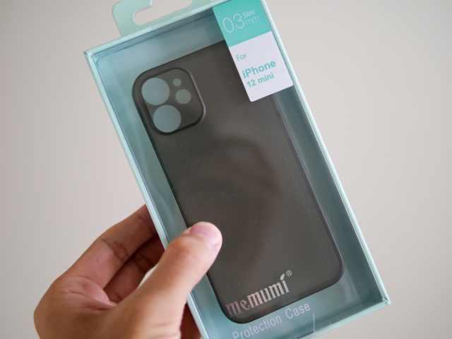 memumiのiPhone用超薄型ケース