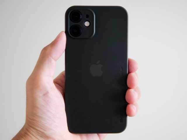 memumiのiPhone用ケース