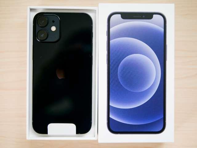 iPhone 12 miniを開封