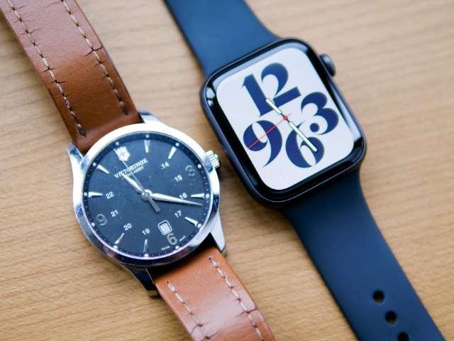 Apple Watch SEとファッション時計