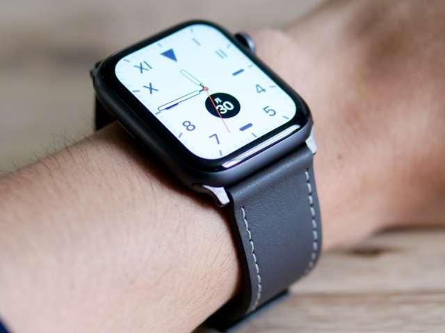 Apple Watch SEのレザーバンド