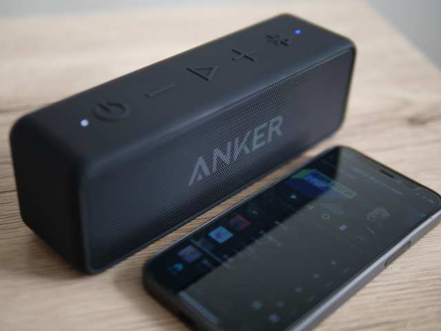 Anker SoundCore 2とスマホ