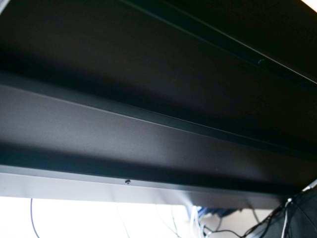 デスク天板裏の補強材
